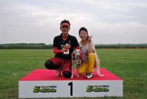 テレビ番組の企画で見事優勝!野澤さん(左)もいい笑顔です!