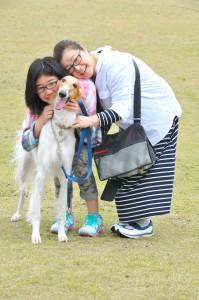 中田さんと娘さん、そして「次女」のジャスミン
